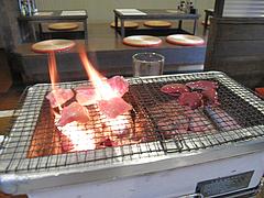 15バーベキュー:鶏ももとレバー焼く@七輪居酒屋イソデチキン・舞鶴・天神
