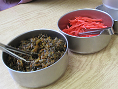 料理:紅しょうがと辛子高菜@長浜ラーメン・じろう・西新