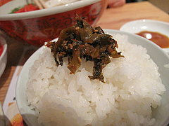 13ランチ:白ご飯と辛子高菜@ラーメン・めんくいや・博多駅東店