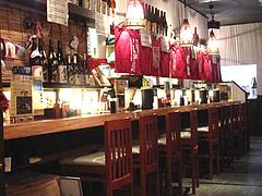 3店内:カウンター席@麺屋極み清川店・ラーメン居酒屋