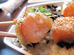 料理:めんたい重をすくう。@元祖博多めんたい重・西中洲