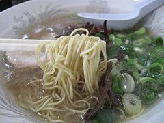 ランチ:ラーメン食べる@本格豚骨ラーメン・ばかうま・三角市場