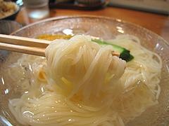 料理:冷麺すくう@葉隠うどん・博多駅南