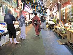 外観:蛸松月のある市場通り@蛸松月・柳橋連合市場