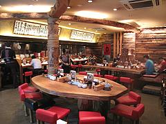 2店内:テーブル・カウンター@一風堂・薬院店