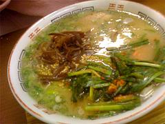 料理:ラーメン+ニラキムチ+キクラゲ@ふくちゃんラーメン博多店