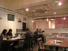 店内:テーブル席@イタリアン・トラットリア・ ウーノ(Trattoria-Uno)