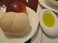 16ランチ:パンとオリーブオイル@ブルースター・タカクラホテル福岡