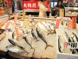 4魚様@博多街道魚市