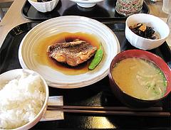 料理:天然鯛の煮付け定食980円@梅山鉄平食堂