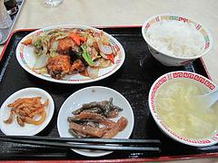 6ランチ:鶏の唐揚げと野菜の甘酢炒め(黒酢入り)定食650円@中国料理・徳福・博多区役所