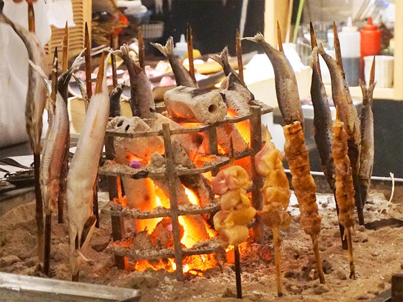 焼き 炉端