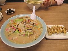 19ランチ:野菜たっぷりちゃんぽんセット780円@長浜将軍・ラーメン・那珂川店
