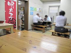店内:テーブル席@柳橋連合市場・柳橋食堂