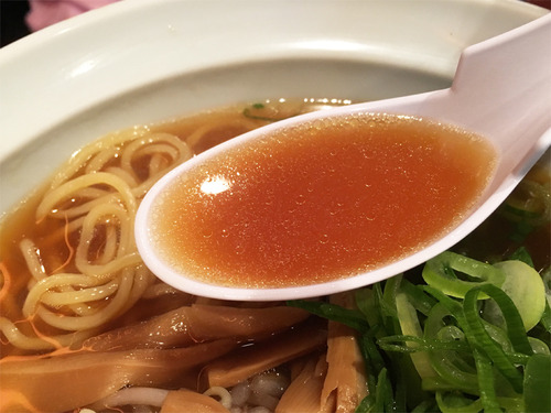 11鶏ガラ醤油そば汁