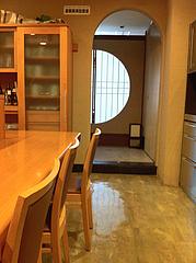 3店内:カウンター席と個室@博多大福うどん・うどんすきと水炊き