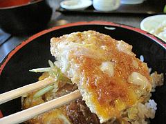 料理:日替わりカツ丼アップ@麺処かわべ・博多駅南
