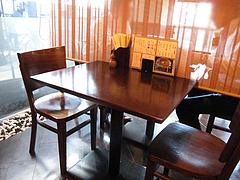 店内:テーブル席@生蕎麦・玄・天神