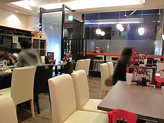 2店内:テーブル・カウンター@牡蠣やまと・鉄板居酒屋・赤坂・オイスターバー