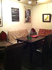 4店内:テーブル@イタリアン・ワインバー・ラカーサ・高砂