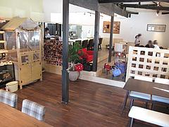 5店内:カウンター・テーブル席@baby's cafe(ベイビーズカフェ)・ドッグカフェ