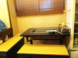 4テーブル席がん見@もんじゃ・まぐろ家