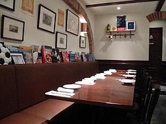 店内:ソファテーブル席@Pizzeria Da Gaetano(ピッツェリア・ダ・ガエターノ)・薬院・福岡