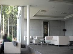 店内:2階カフェテーブル席@茶房わらび野