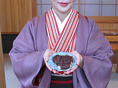 料理:名物ぼたもち3個分@綾部神社・中原