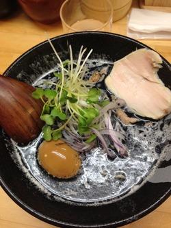 5焦がし鶏白湯と玉子@鶏白湯ぼっこ志
