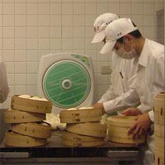 鼎泰豊(ディンタイフォン)の厨房@台北・台湾