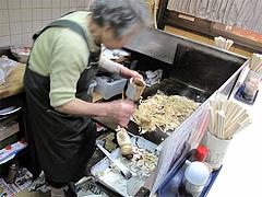 料理:焼うどん製作中1@小倉名物・元祖焼うどん・だるま堂