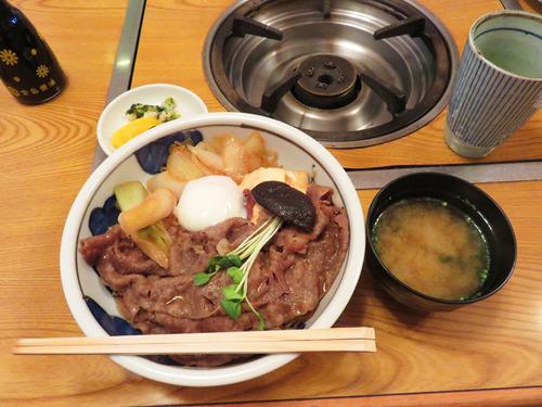 8すき焼丼1,400円