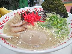 12ランチ:半熟タマゴラーメン650円@ラーメンなんでんかんでん・博多ねぶり屋餃子・ミヤモトヒロシ
