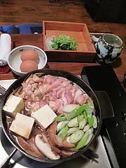 料理:地鶏鍋アップ@湯の岳庵・亀の井別荘