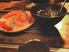 8店内:鉄板テーブル@鉄板バル・あじさわ・お好み焼き・姪浜