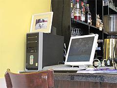 店内:インターネット用パソコン1@インターネットカフェ『キャットクレア CAT CREA』・グアム