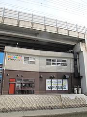 28外観:西鉄電車高架下@讃岐うどん大使・福岡麺通団・薬院