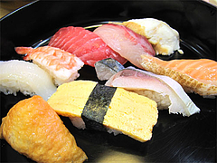 ランチ:サービス鮨ランチアップ@回転寿司・博多玄海丸・野間