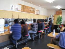 2店内:カウンター・テーブル@中華そば・ひさご