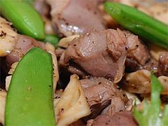 砂ズリと茸の炒め物