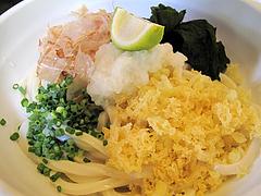 料理:ぶっかけうどん(冷)アップ@麺処かわべ・博多駅南