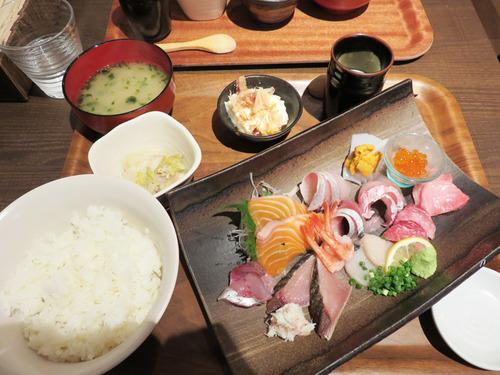 3海鮮丼特上1,280円
