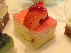 料理:デザート・ケーキアップ@クラウンカフェ・ANAクラウンプラザ