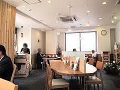 店内:テーブル席@海鮮丼・日の出・薬院