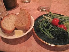料理:パンとサラダ@ハカタネーゼ・エノテカ・リツ・清川