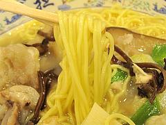 料理:豚足麺の麺@大明坦々麺・博多デイトス店麺街道
