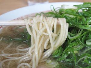 12ラーメン麺@長浜ラーメン