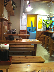 店内:テーブル席@ラーメン壱の家・西通り・天神