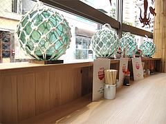 店内:カウンター席@海鮮丼・日の出・薬院